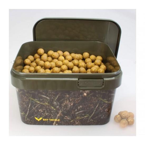 Протеинови топчета в кофа CarpMax 2,5кг Scopex